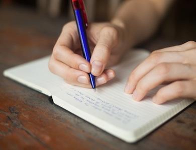 Scrivere a mano aiuta l'apprendimento?
