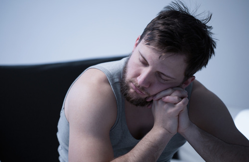Pseudo insonnia: riconoscere sintomi e cause