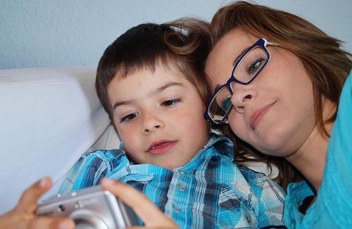 Nuovi genitori per figli tecnologici