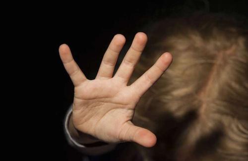Pedofilia: un fenomeno sociale, psicologico e giuridico