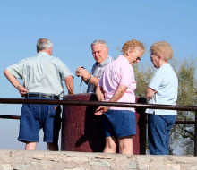 Anziani e depressione: la vita sociale mantiene allegri