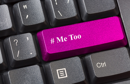 Femminismo da tastiera: lottare con gli hashtag