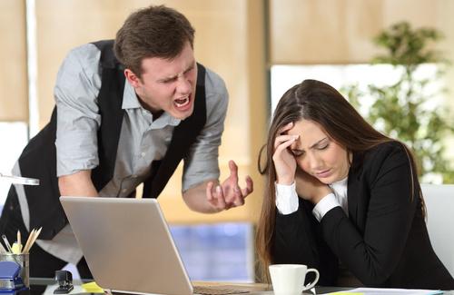 La misoginia sul posto di lavoro, come affrontarla