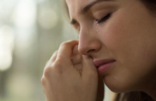 Tristezza immotivata, le cause di un malessere inspiegabile