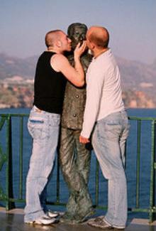 Poliamorismo: sesso, amore e figli?